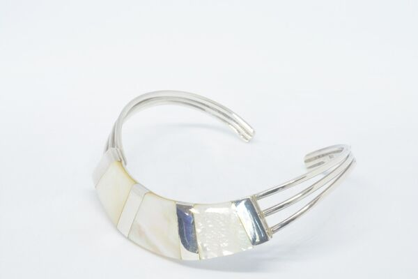 Bangle With Decorations